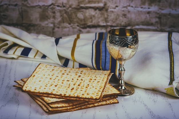 Pesach passah-symbole für einen großen jüdischen feiertag.