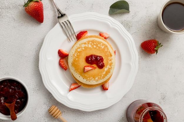 Pfannkuchen mit hausgemachter leckerer marmelade
