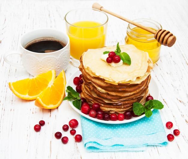 Pfannkuchen mit preiselbeeren