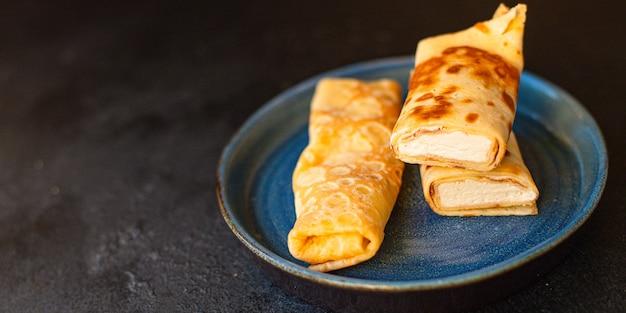 Pfannkuchen mit quark crêpe hüttenkäse flapjack dünner kuchen ricotta süßes dessert