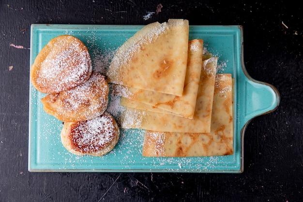 Pfannkuchen und crepes draufsicht