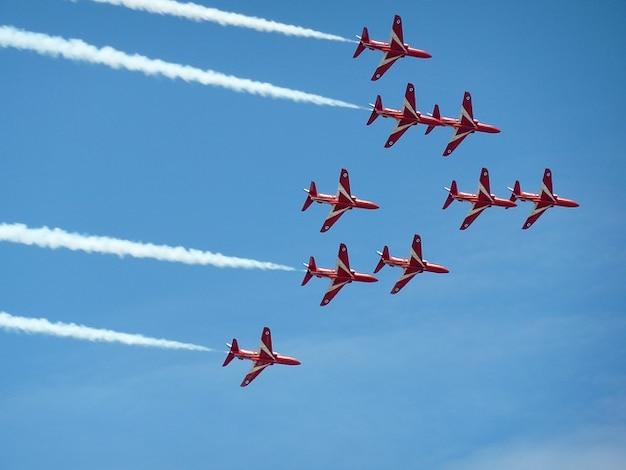 Pfeile airshow jet sky flugzeuge bildung