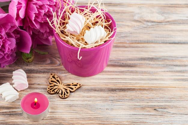 Pfingstrosenblüten, süßigkeiten