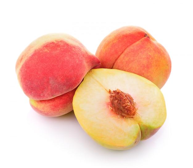 Pfirsich auf weiß