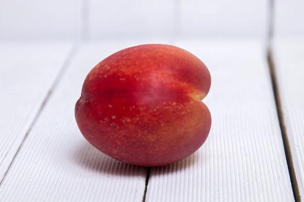Pfirsich (prunus persica subs nectarina)