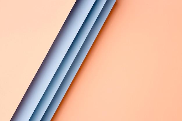 Pfirsich und blue papers anordnung