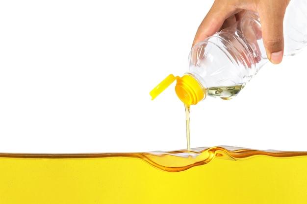 Pflanzenöl gießen