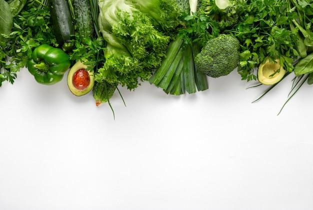 Pflanzliche proteinquelle. draufsicht gesundes essen sauberes essen. grüne gemüse draufsicht
