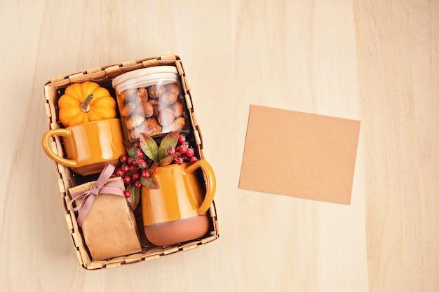 Pflegepaket für thanksgiving vorbereiten
