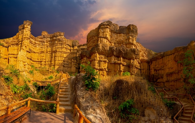 Pha chau, der grand canyon bei mae wang national park in chiangmai thailand.