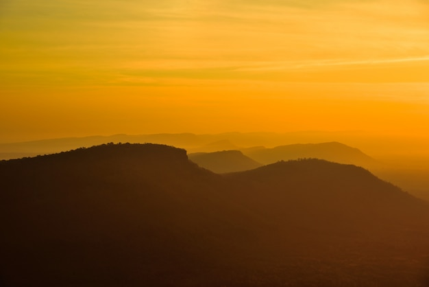 Pha mo e dang, nationalpark khao pra wihan, bezirk kantharalak, provinz sisake