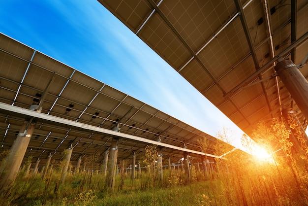 Photovoltaik-module für die stromerzeugung aus erneuerbaren quellen, navarra, aragonien, spanien.