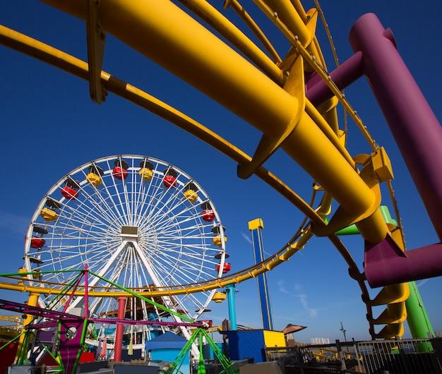Pier santa moica ferris wheel in kalifornien