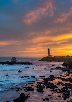 Pigeon point lighthouse, wahrzeichen der pazifikküste