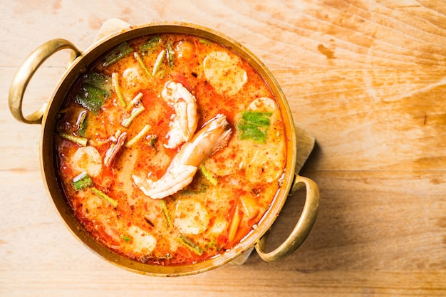 Pikante garnelen-suppe