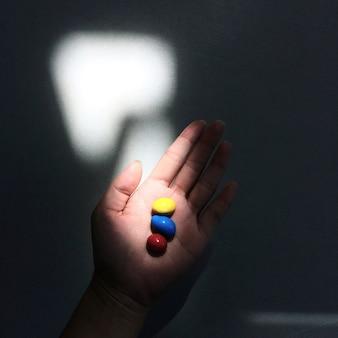 Pillen oder süßigkeiten