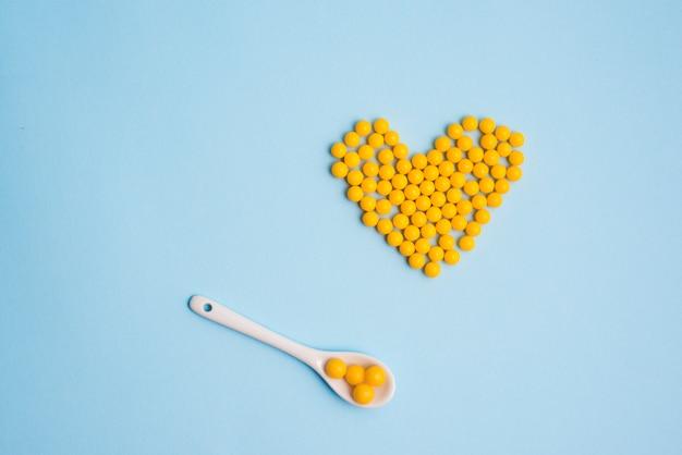 Pillen und plastiklöffel