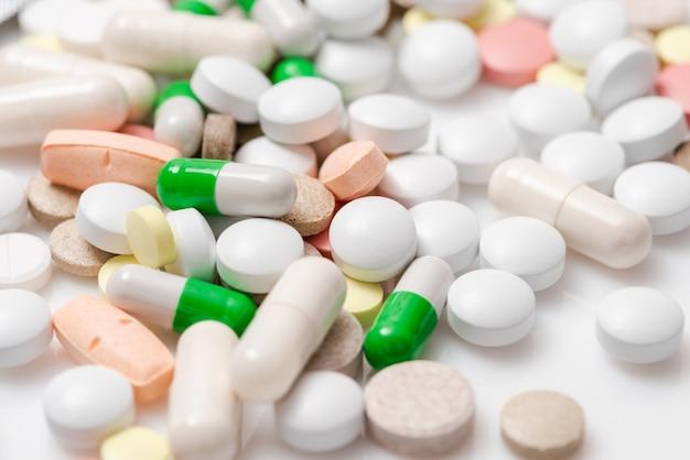 Pillen und tabletten. nahansicht.
