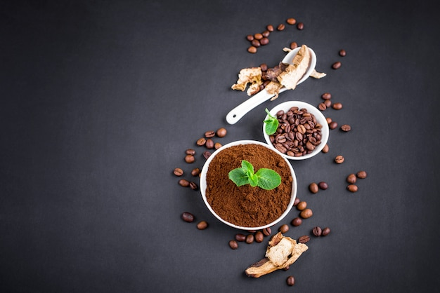 Pilz-chaga-kaffee und frische pilze und kaffeebohnen