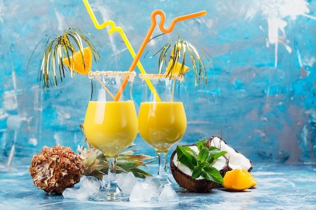 Pina colada cocktail und zutaten