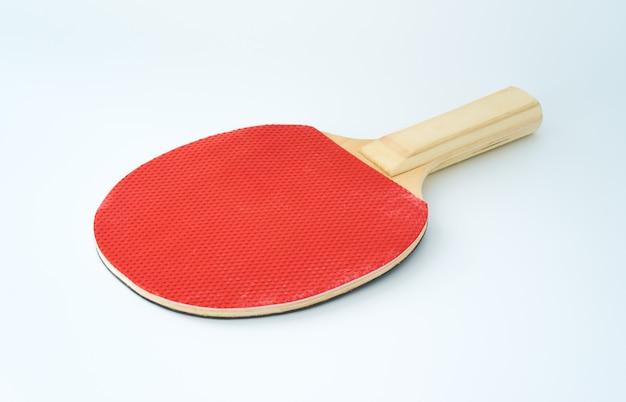 Ping pong paddel lokalisiert auf einem weißen hintergrund