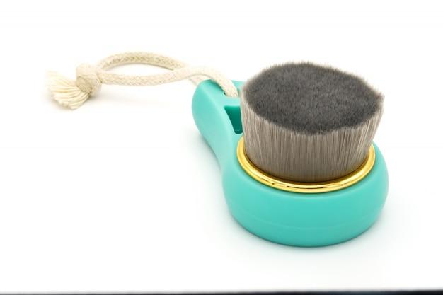 Pinsel für eine gründliche reinigung und gesichtsreinigung, spa-konzept