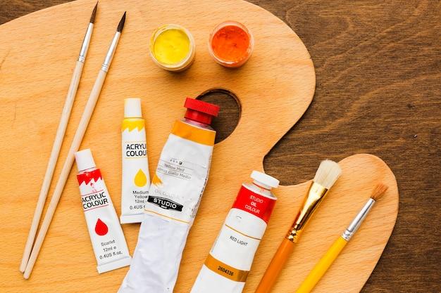Pinsel und farben malen