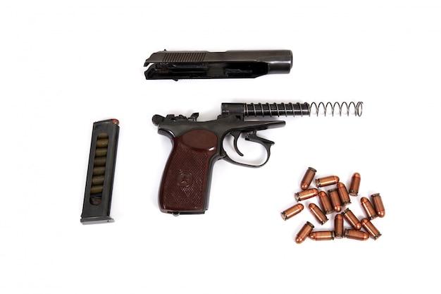 Pistole makarov-kugelclipgriff stellte alten sowjet des weißen lokalisierten braunen schwarzen sternes ein