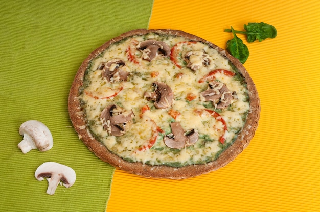 Pizza diät mit pilzen.