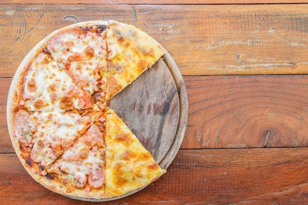 Pizza fleisch lover und käse