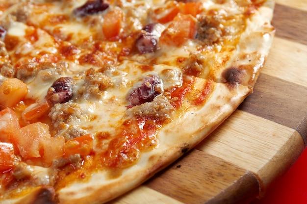 Pizza neapolitanisch. italienische küche.
