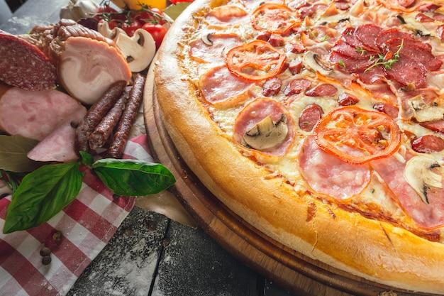 Pizza schinken