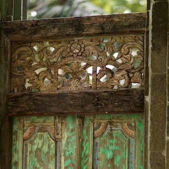 Placencia, dekoratives tor