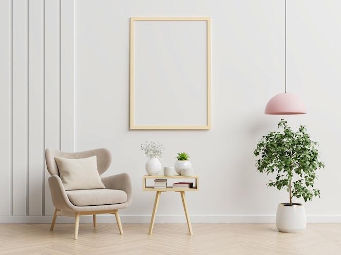 Plakat mit vertikalen rahmen auf leerer weißer wand im wohnzimmerinnenraum mit blauem samtsessel. 3d-rendering