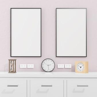 Plakatrahmen im wohnzimmer und im schrank mit uhren