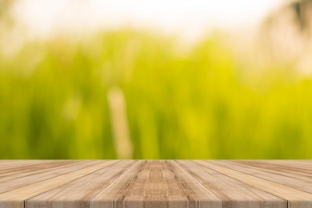 Planks mit unfocused hintergrund