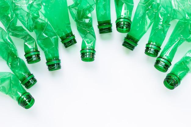 Plastikflaschen auf weiß