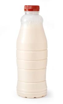 Plastikmilchflasche isoliert auf weiss mit beschneidungspfad