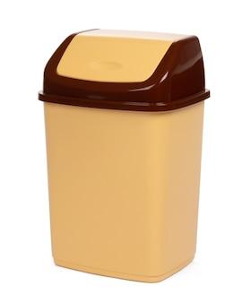 Plastikmüllbehälter lokalisiert auf weißem hintergrund