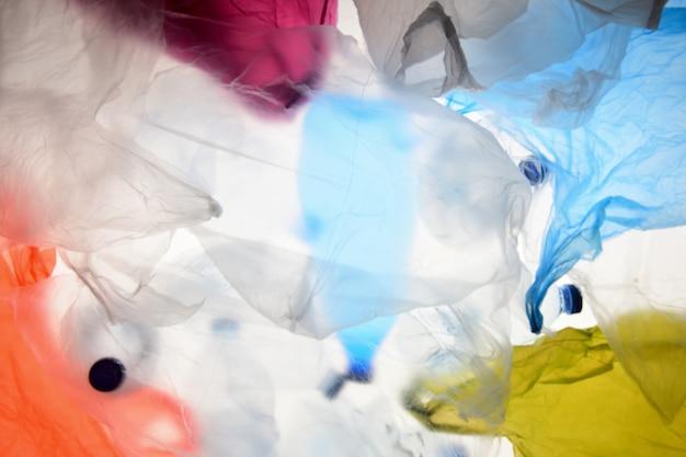 Plastiktüten und flaschen