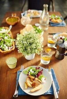 Platte mit essen