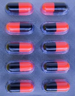 Platte von kapselmedizinpillen von der doktorordnung