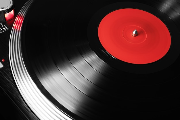 Plattenspieler spielt vinyl