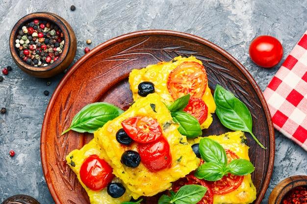 Polenta italienischer maismehlteller