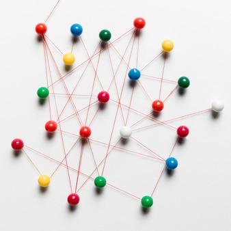 Polygonale pushpin-karte mit hoher ansicht