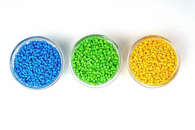 Polymerfarbstoff in kunststoffpellets.