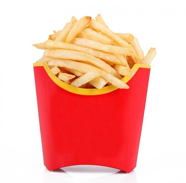 Pommes frites auf weiß