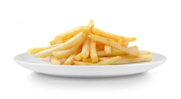 Pommes frites in teller isoliert