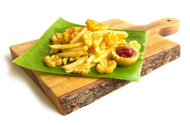 Pommes frites kartoffelchip geschnitzte blüten- und blattform