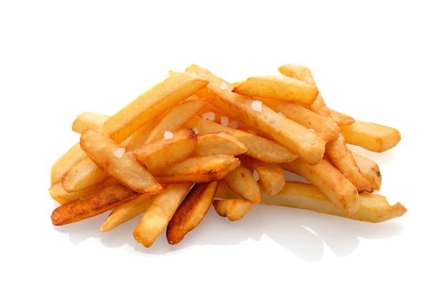 Pommes frites lokalisiert auf weißem hintergrund